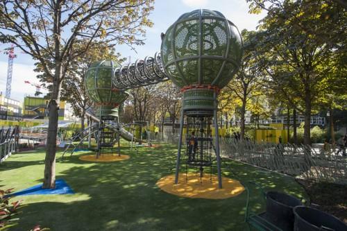 Paris serves up les halles playground terrain d - Jardin du luxembourg enfant ...